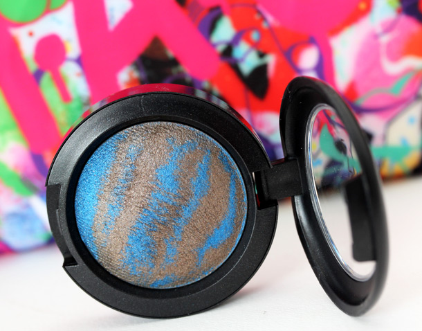 MAC Bossa Blue Mineralize Eye Shadow