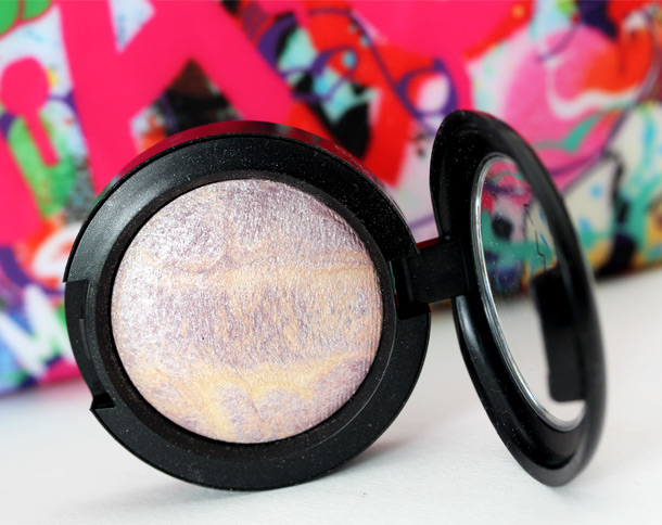 MAC Dare to Bare Mineralize Eye Shadow