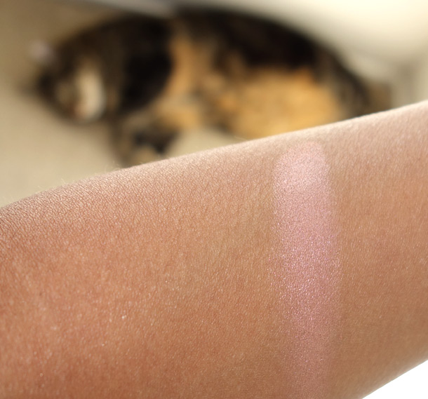 Benefit Rockateur swatch