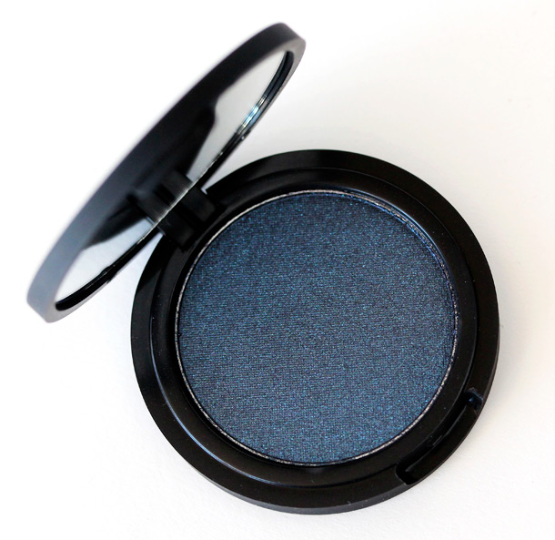 Le Metier de Beaute True Color Eye Shadow in Midnight