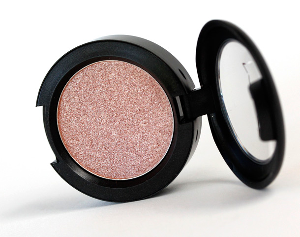 MAC Summer Honey Presed Pigment, a pastel coral with a frost finish