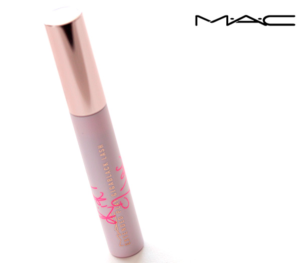 RiRi Hearts MAC Fall: Extended Play Lash in Gigablack