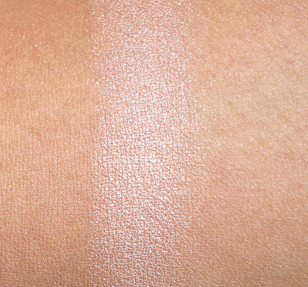Benefit Luv It Up Nude Swings Swatch