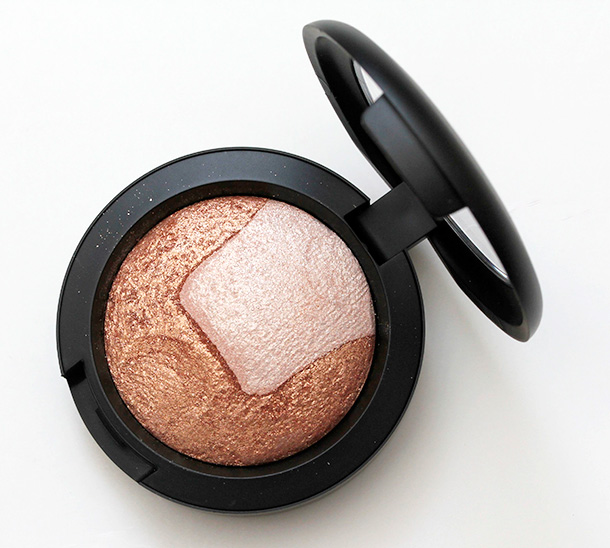 MAC Exquisite Ego Mineralize Skinfinish Eye Shadow