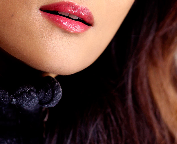 MAC Cremesheen Glass in Night is Young, a bright red cream