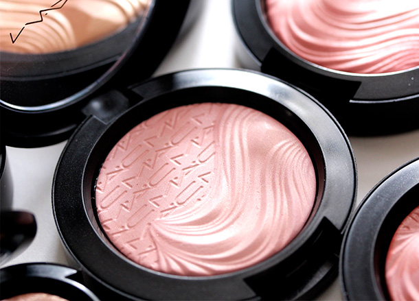 MAC At Dusk Extra Dimension Skinfinish Blush, a dirty cool pink with a Satin finish