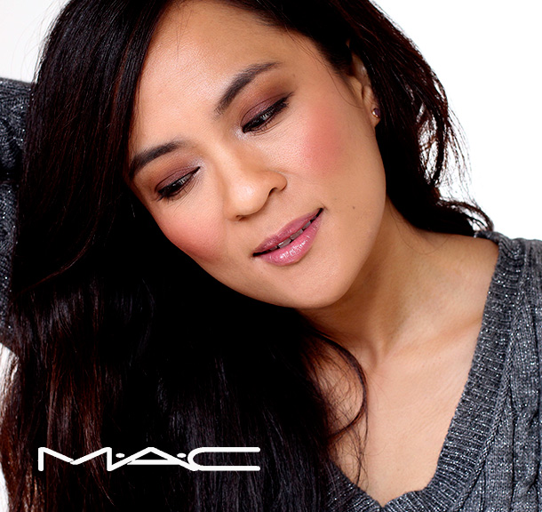 MAC Magnetic Nude Extra Dimension Eye Shadow in Amorous Alloy