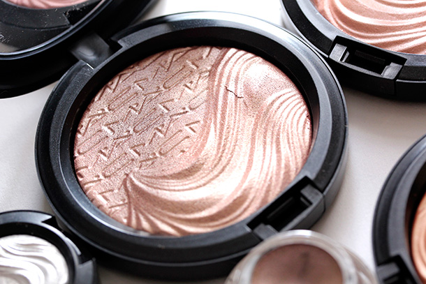 MAC Superb Extra Dimension Skinfinish, a soft peachy nude with multidimensional shimmer