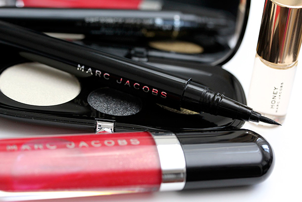 Marc Jacobs Beauty The Showstopper Set clockwise from the bottom: Lust for Lacquer in Kiss This (314, limited edition), Style Eye-Con No. 3 in In the Star (114, limited edition) and Magic Marc'er Precision Pen Eyeliner in Blacquer (10)