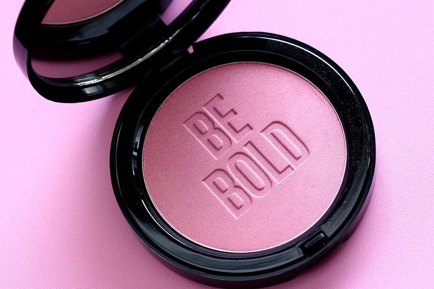 Bobbi Brown Illuminating Bronzing Powder in Pink Peony Be Bold