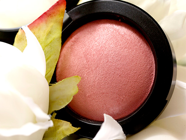 MAC Azalea in the Afternoon Mineralize Blush, a mid-tone cool pink