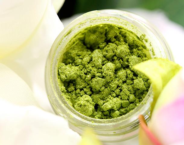 MAC Chartreuse Bouquet Pigment, a shimmering acid green