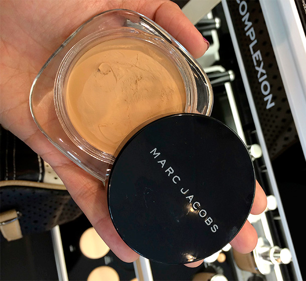 Marc Jacobs Marvelous Mousse Transformative Foundation