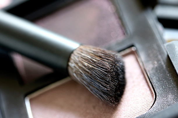 NARS Wide Contour Eyeshadow Brush 43