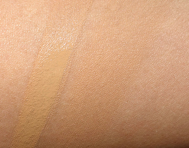 Becca Ever-Matte Shine Proof Foundation in Bamboo