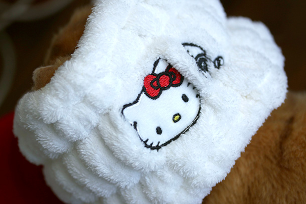 The Hello Kitty Cosmetic Headband By Earth Therapeutics