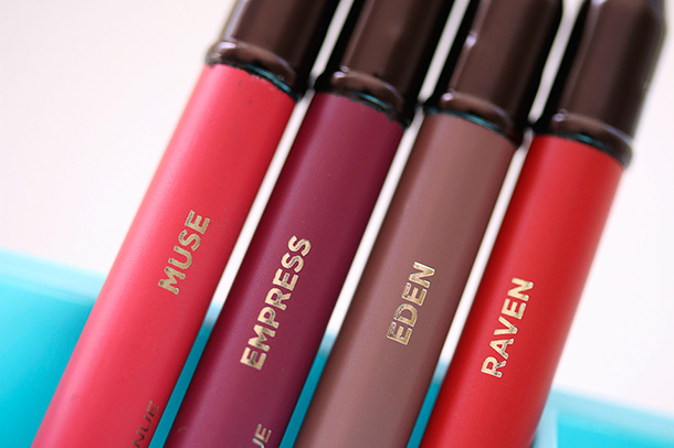 Hourglass Panoramic Lip Pencil
