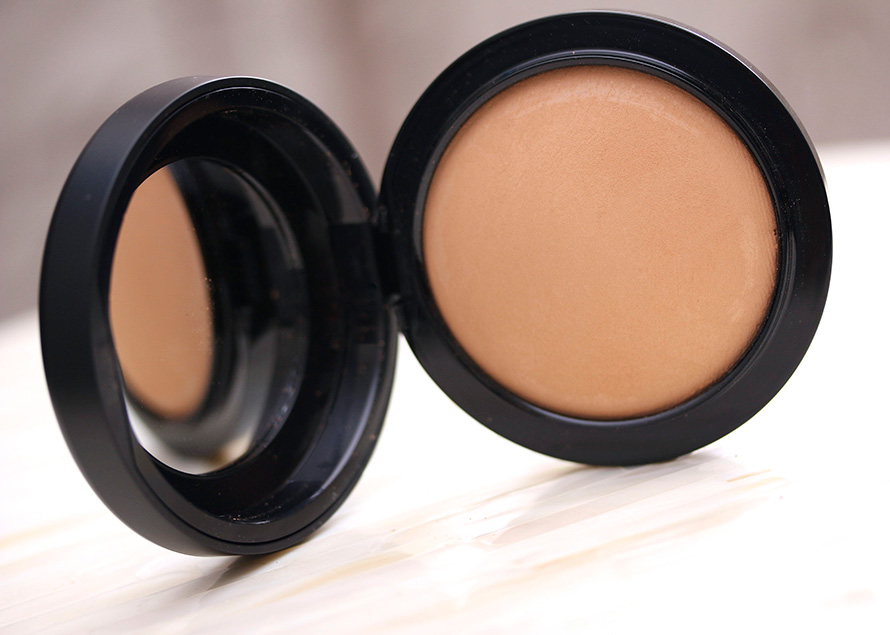 MAC Mineralize Skinfinish in Medium Tan