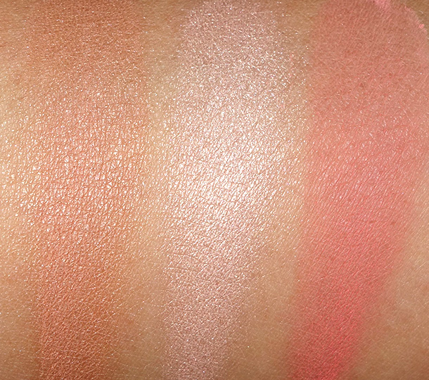Swatches of Urban Decay Naked Flushed in Streak