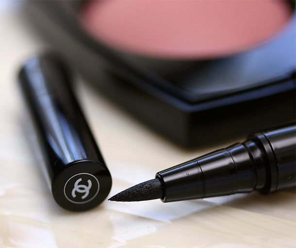 Chanel Ecriture De Chanel Eyeliner Pen in Noir