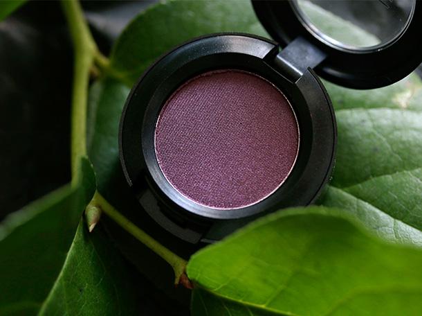 MAC Veluxe Pearl Eye Shadow in Hidden Motive, a deep aubergine