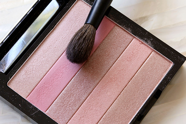 Revlon Rose Glow 02 Highlighting Palette (6)