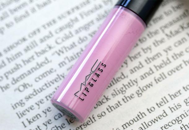 MAC Lipglass in Pure Fiction