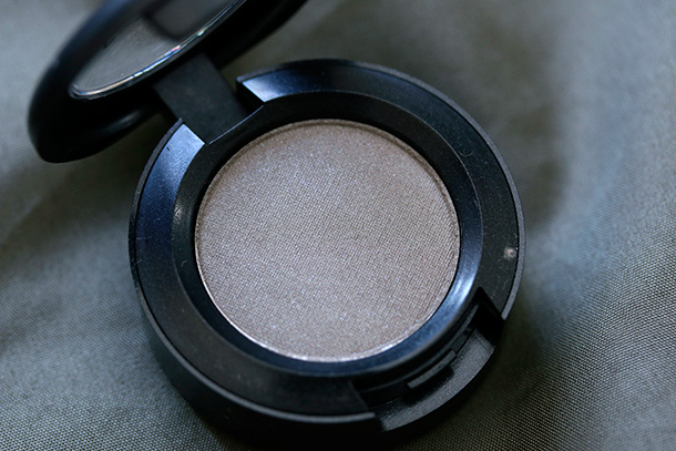MAC Eye Shadow in Stony