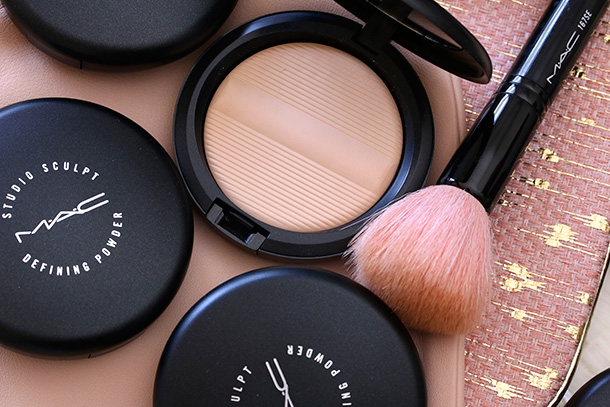 MAC Studio Sculpt Defining Powder in Light