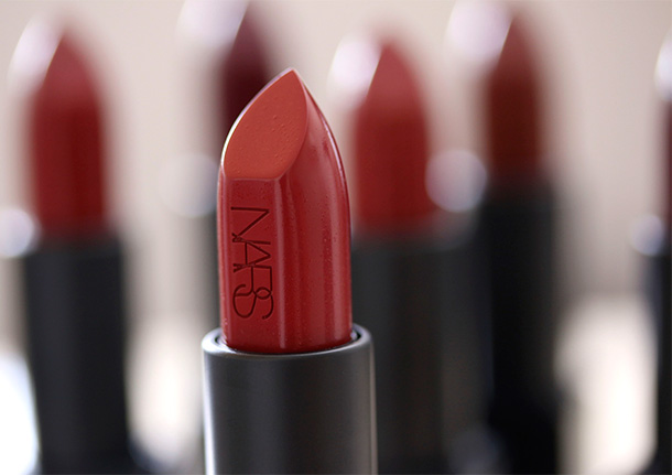 NARS Audacious Lipstick in Leslie