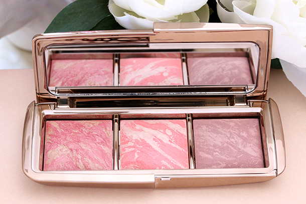 Hourglass Ambient Lighting Blush Palette blushes from the left: Luminous Flush, Incandescent Electra and Mood Exposure
