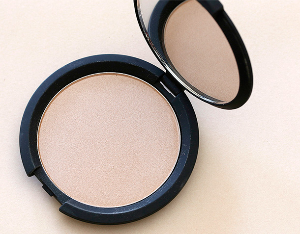 It Cosmetics Hello Light Anti Aging Radiance Illuminating Powder (2)