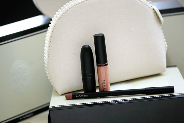 MAC Keepsakes Nude Lip Bag