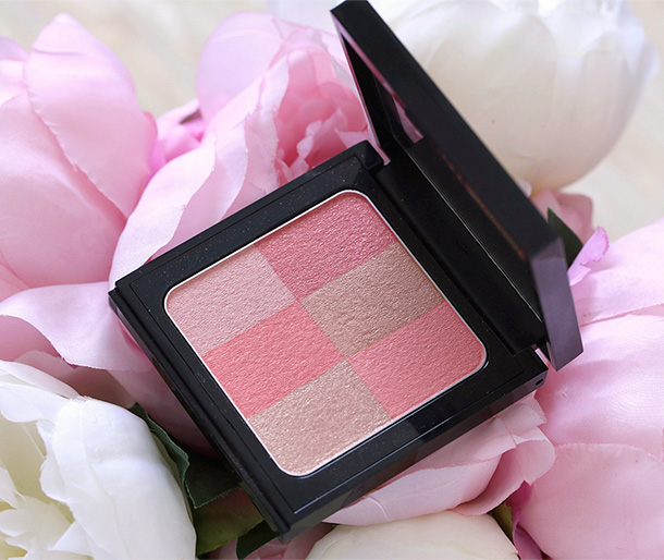 Bobbi Brown Brightening Brick in Coral