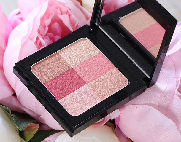 Bobbi Brown Brightening Brick in Cranberry