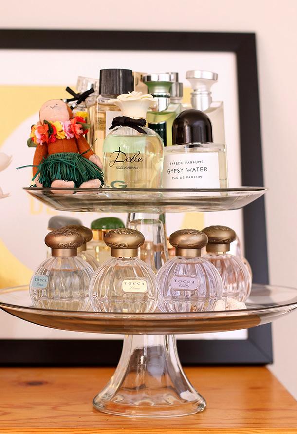 Cake Stand Perfume Display 1 3