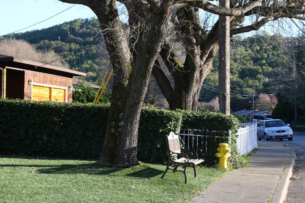 novato-bench-sidewalk
