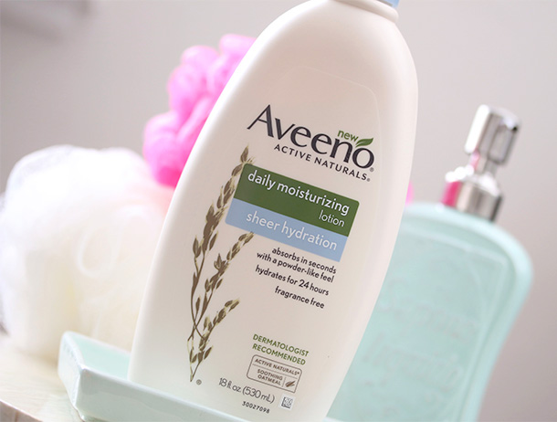 This Will Sink In: Aveeno Active Naturals Daily Moisturizing Sheer Hydration Lotion - Makeup and Beauty Blog
