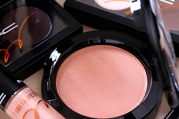 MAC Julia Petit Powder Blush in Linda