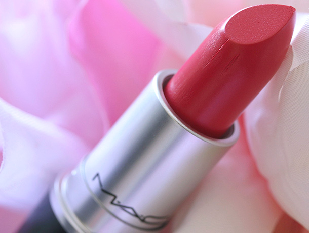 MAC Amplified Lipstick in Make Me Gorgeous