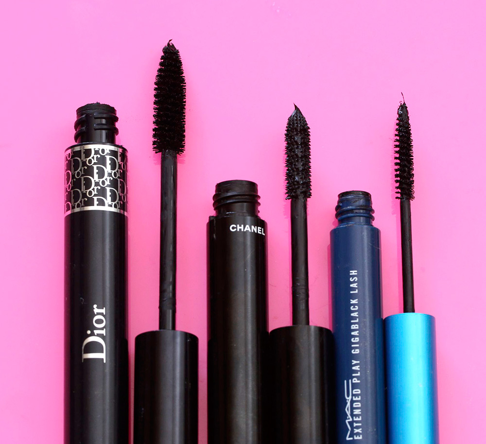 dior 39 s newly reformulated diorshow mascara and its connection with toothbrushes makeup and. Black Bedroom Furniture Sets. Home Design Ideas