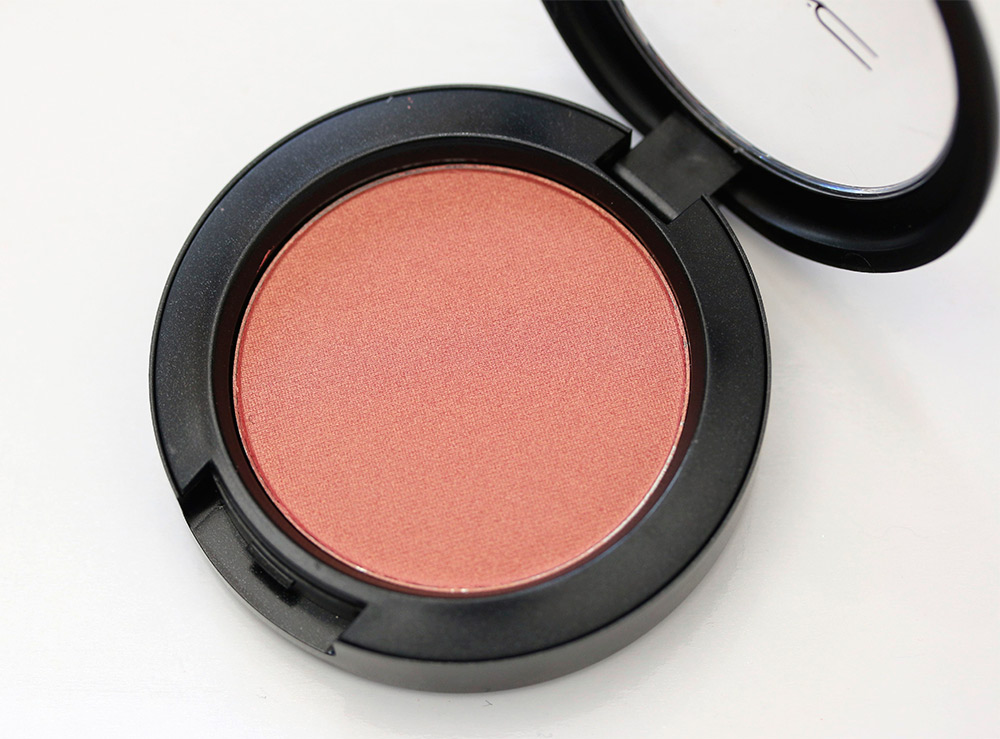 Mac powder blush comes in a variety of finishes frost, matte, satin, sheer tone and sheer tone shimmer. Its great to play around with and try different looks. It comes in 41 shades.