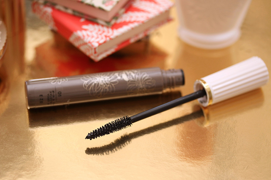 paul joe smudgeproof mascara 890