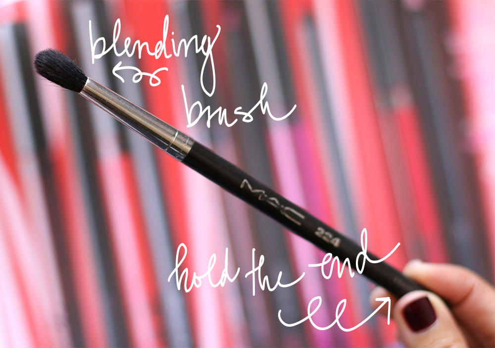 tapered blending brush mac 224