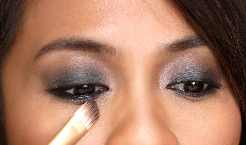 10 minute smoky eye concealer