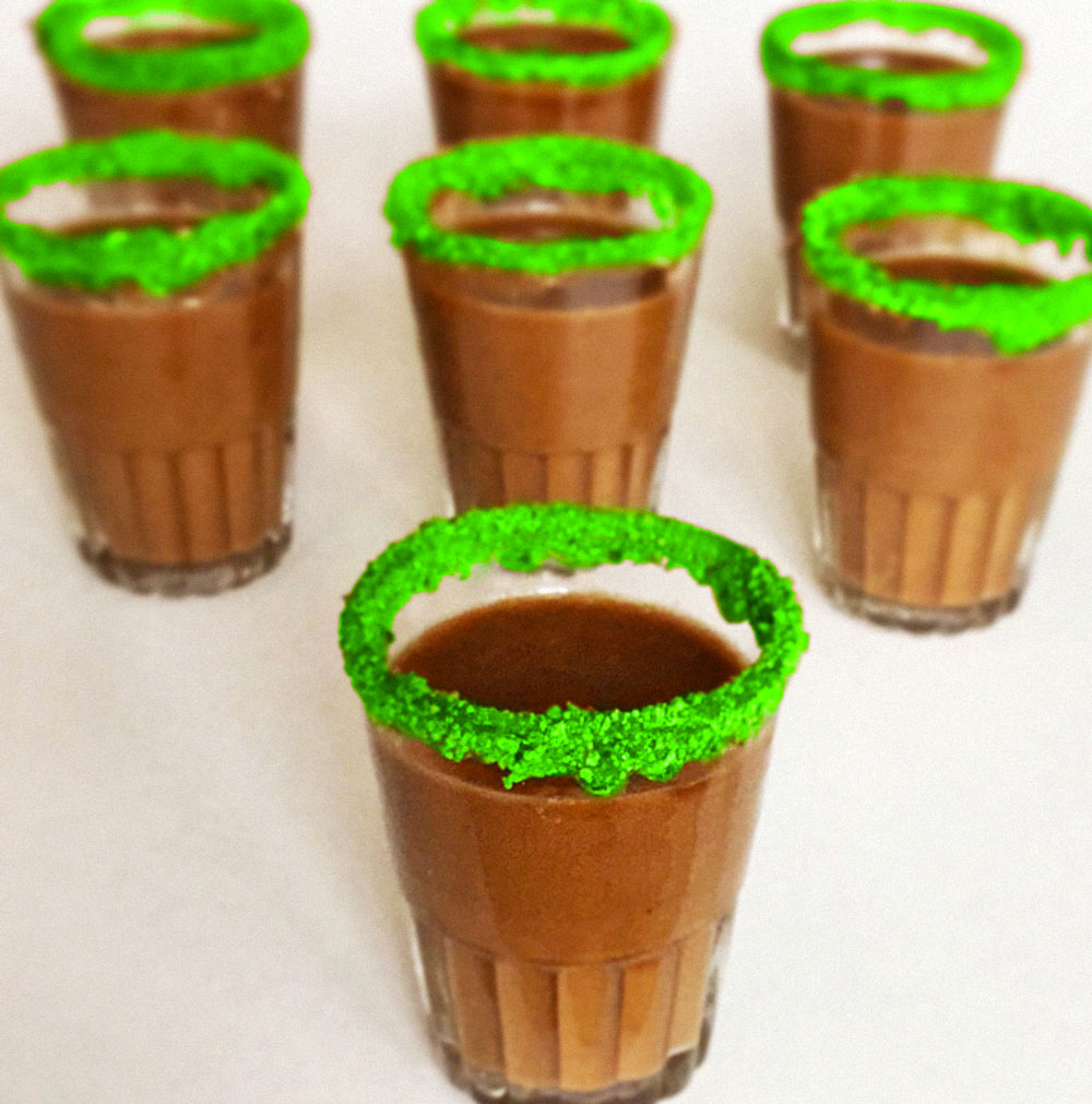 Gravy shooters with crushed catnip rim