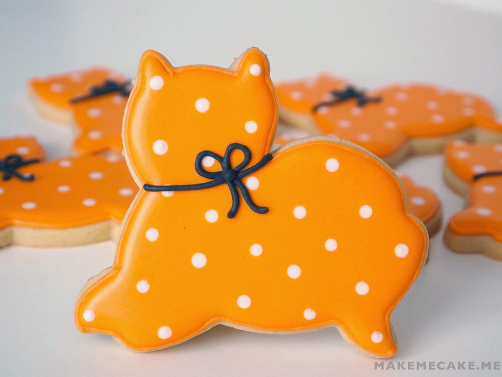 Purrfectly Simple Halloween Cat Cookies,  Mighty Delighty blog