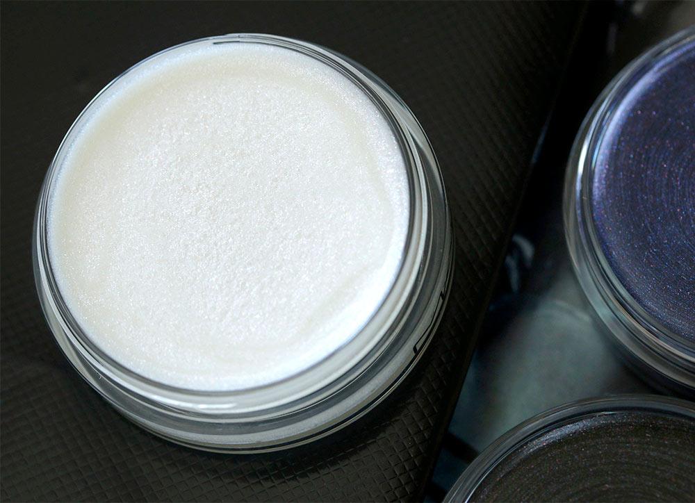 mac pearl varnish