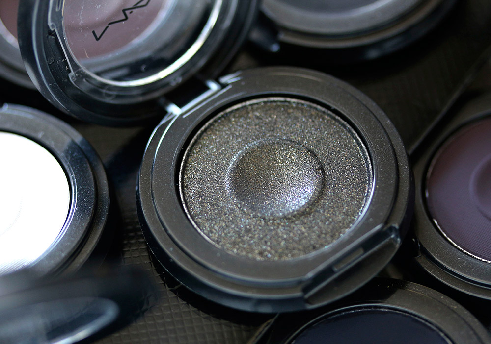 mac well eye shadow whats your fantasy