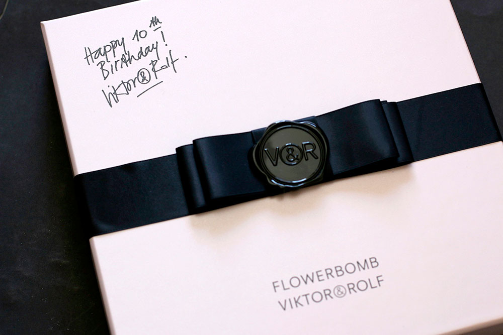 viktor-rolf-flower-bomb-packaging